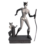 Batman The Animated Series Femme Fatales PVC Statue Black & White Catwoman EU Exclusive 23 cm --- DA
