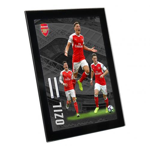 Arsenal F.C. Glass Player Profile Ozil 8 x 6