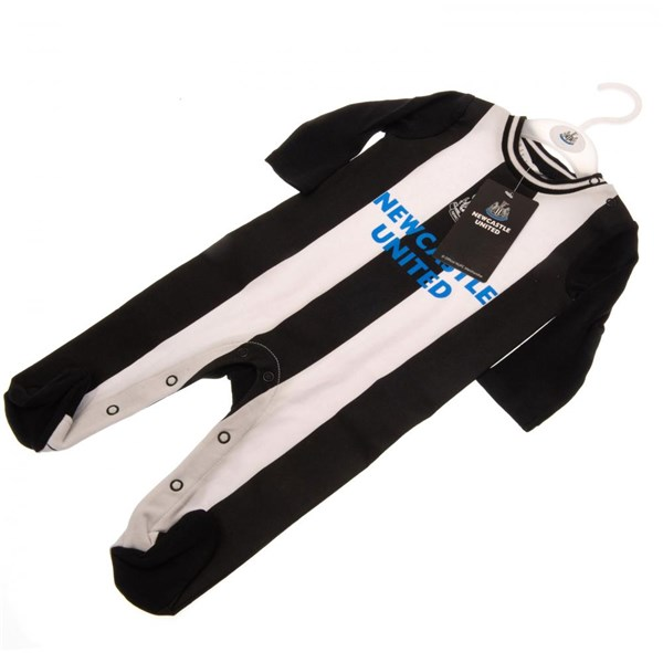 Newcastle United F.C. Sleepsuit 9/12 mths RT