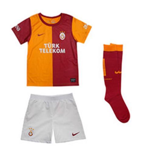 the best attitude e4688 a313c 2013-14 Galatasaray Home Nike Little Boys Mini Kit
